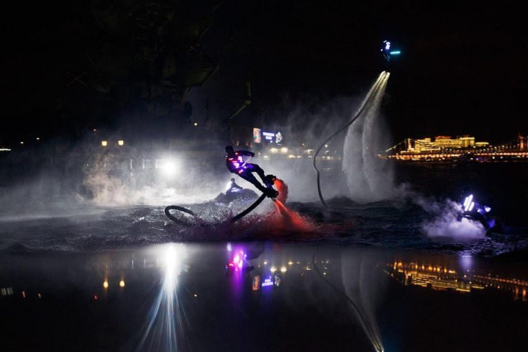 led-show-on-flyboards-3