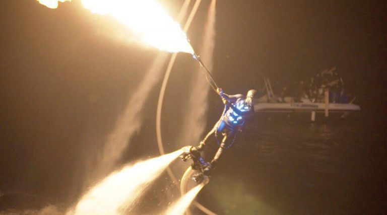 led-show-on-flyboards-4