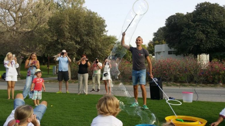 easter_bubble_show_01