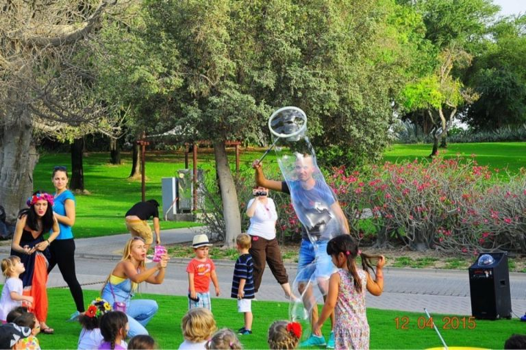 easter_bubble_show_04