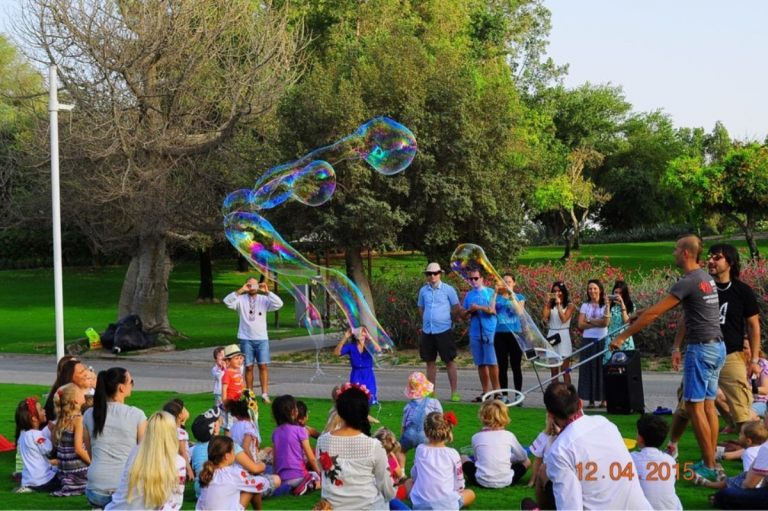easter_bubble_show_06