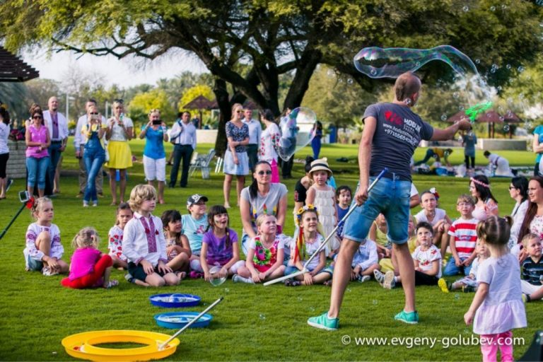 easter_bubble_show_11