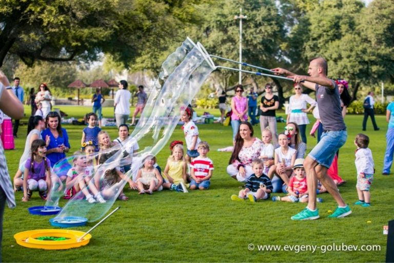 easter_bubble_show_12
