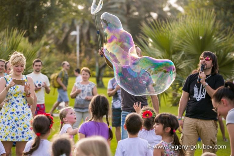 easter_bubble_show_15