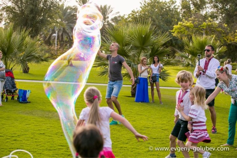 easter_bubble_show_16