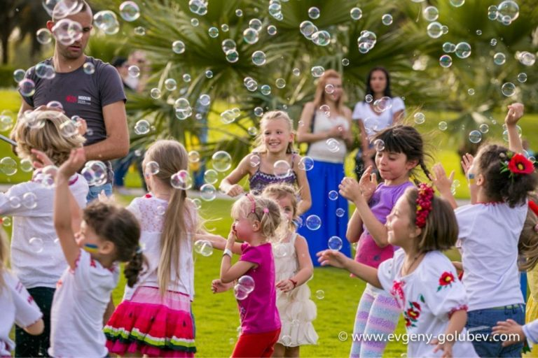 easter_bubble_show_18