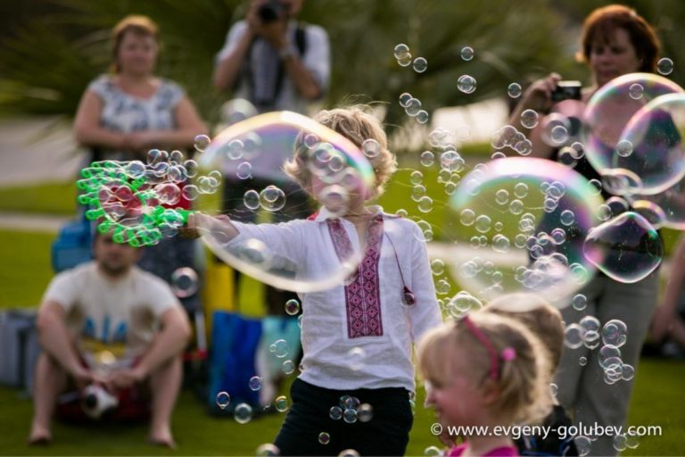 easter_bubble_show_22